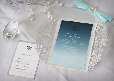 winter wedding invitation, winter wedding, snowflake invitation, luxurious winter wedding, rhinestone winter wedding, snowflake wedding invitation, elegant winter wedding, rhinestone buckle invitation, laser-cut winter wedding, laser-cut winter invitation, last-cut snowflake invitation